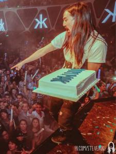 steve aoki tarta cake show