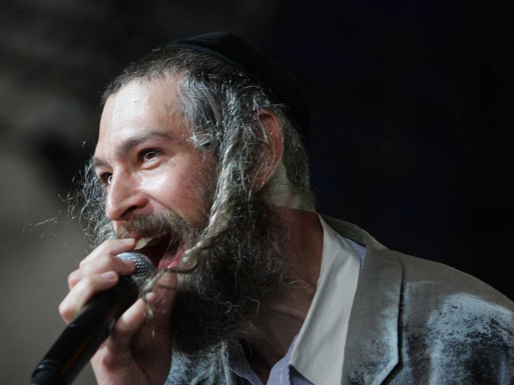 matisyahu-is-so-unrecognizable-after-shaving-his-beard-that-he-couldnt-get-into-sundance-parties