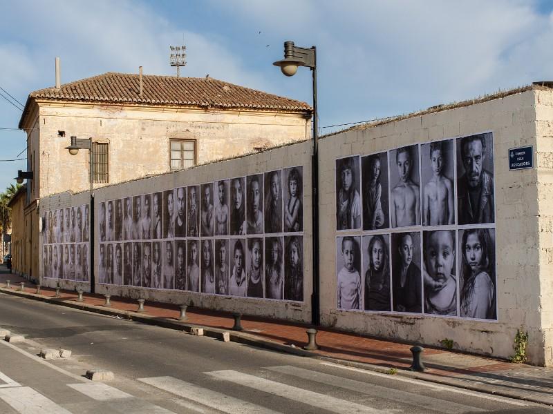 muestra-de-arte-urbano-de-jorge-lopez-en-el-cabanyal-de-valencia-censurada-vandalicamente-por-el-ayuntamiento-de-la-alcaldesa-rita-barbera