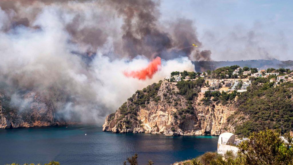 la granadella en flames incendi