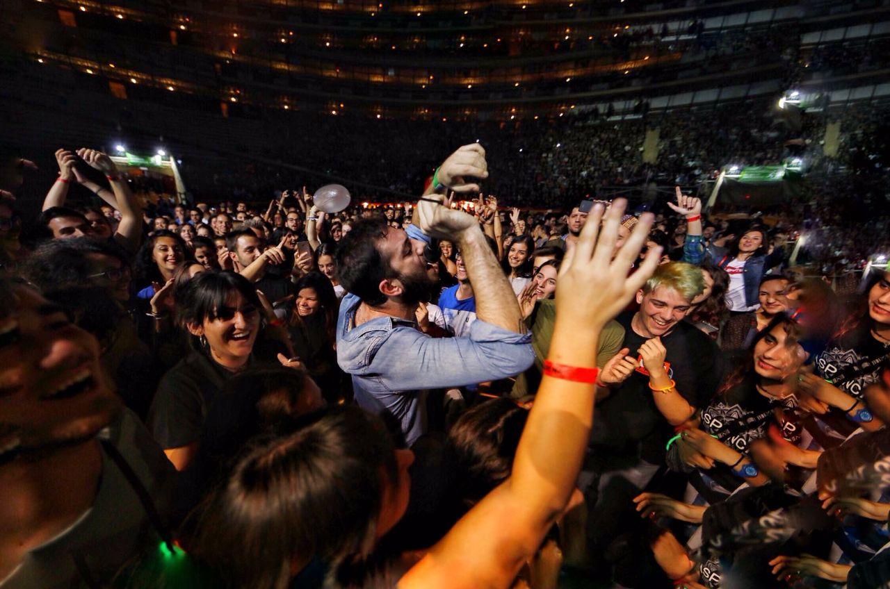 Viva Suecia va obrir el concert de Benvinguda amb Aspencat i Txarango