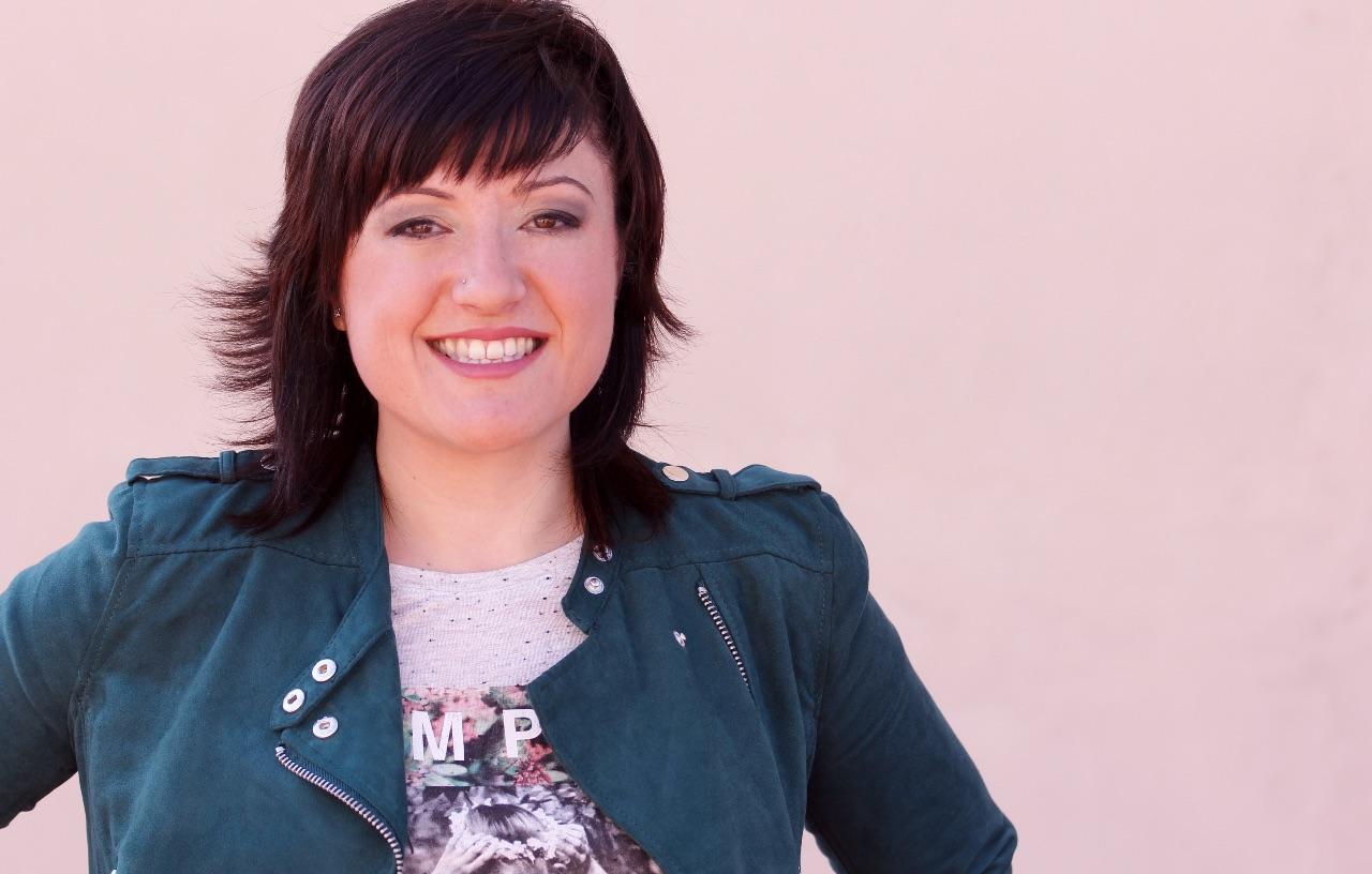 Clara Laguarda és presentadora de Los 40 Principales València